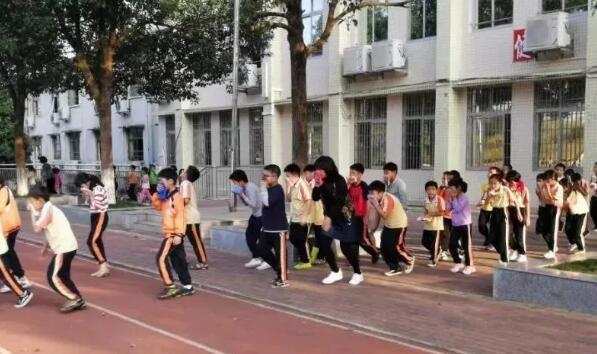 广州明辉保安公司积极开展校园消防安全培训工作